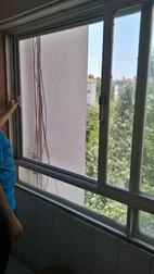 Sürgülü balkon pencere sinekliği