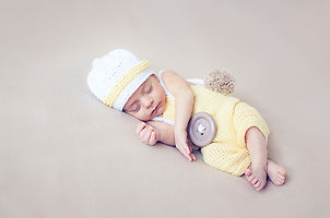 Newborn babies sleeping tugged art cute