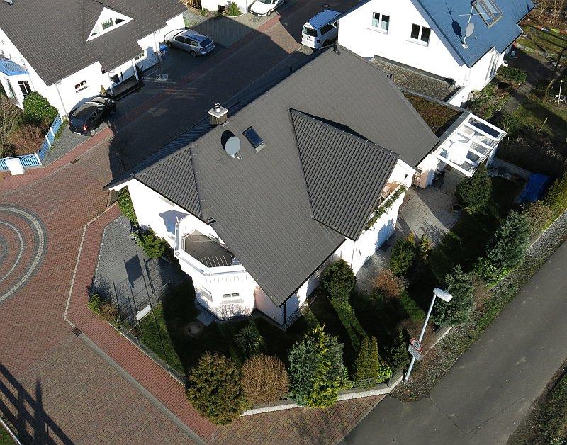 Wohnhaus-Luftaufnahme-Schaafheim-Drohne