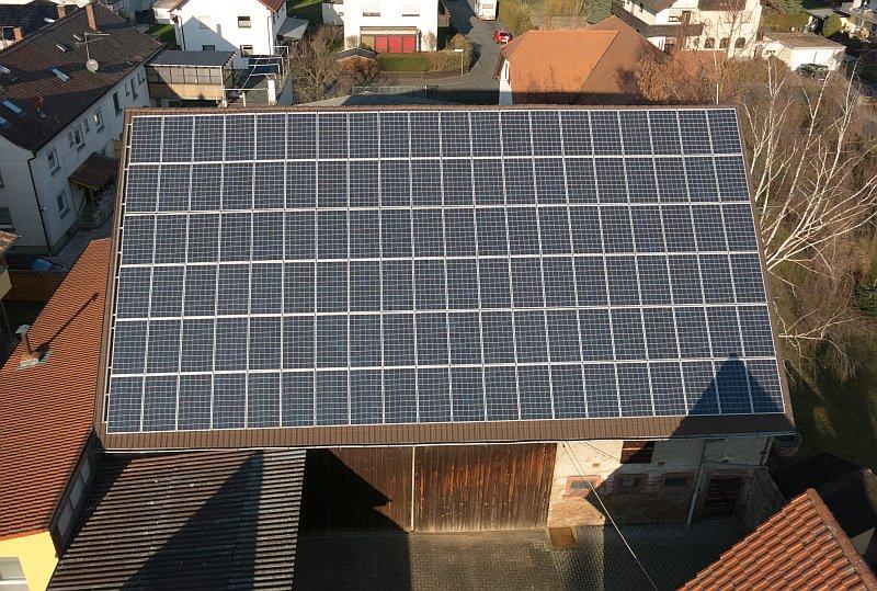 Photovoltaik-Grossostheim-Luftaufnahme-Drohne