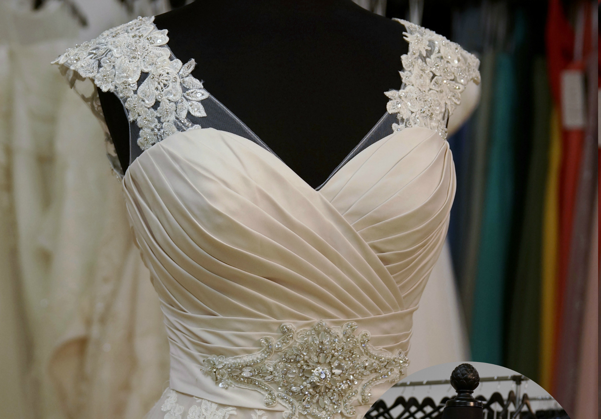9202 with B14 v-neck lace