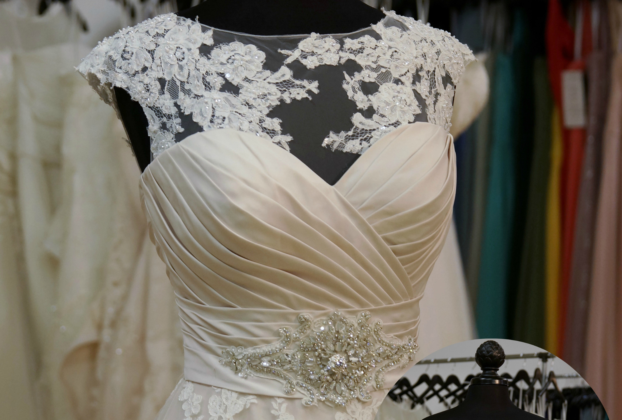 9202 with B13 High neck sleeveless lace