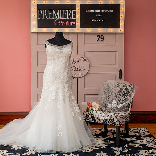 Dress 29:  Sleeveless Lace Bridal Gown