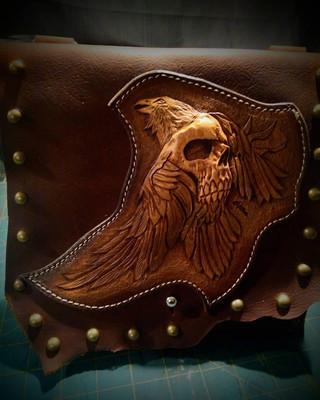 #dustynbustos #exclusiveartist #elusiveartist #leatherartist #leatherbag #birdskull