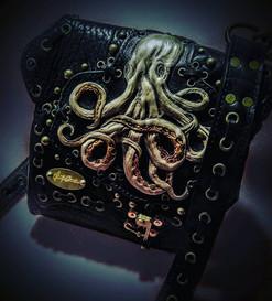 #dustynbustos #exclusiveartist #elusiveartist #leatherartist #octopus #octopusbag #steampunk