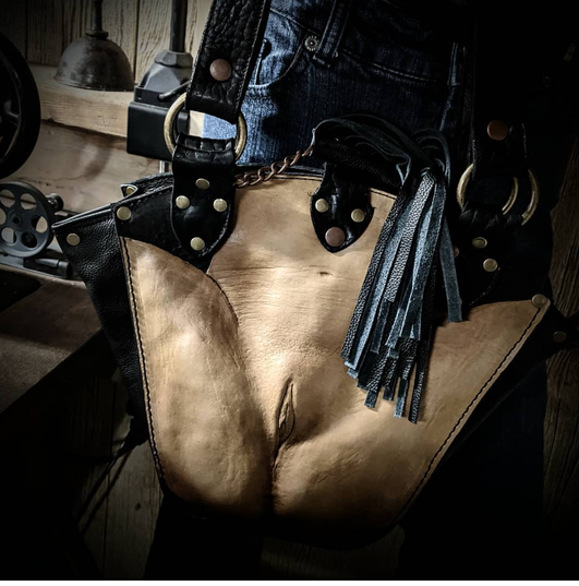 #dustynbustos #exclusiveartist #elusiveartist #leatherartist #twolips