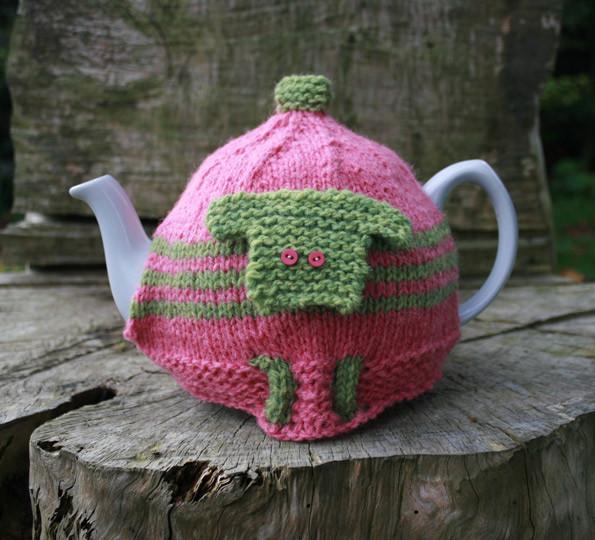 Megan tea cosy knitting kit