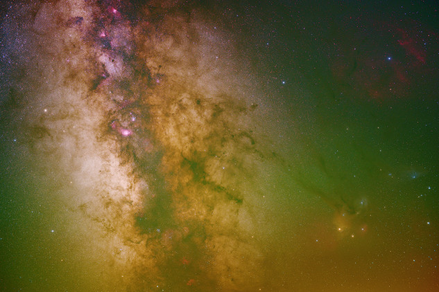 Core of the Milky Way and green airglow from Craters of the Moon National Monument