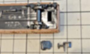 KATO ROUNDHOUSE車間短縮ナックルカプラー(28-187)を2軸貨車に装着、カプラー交換