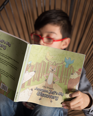 mockup-of-a-kid-with-glasses-reading-a-s