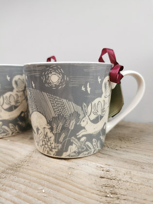 Grey patterned hare mug