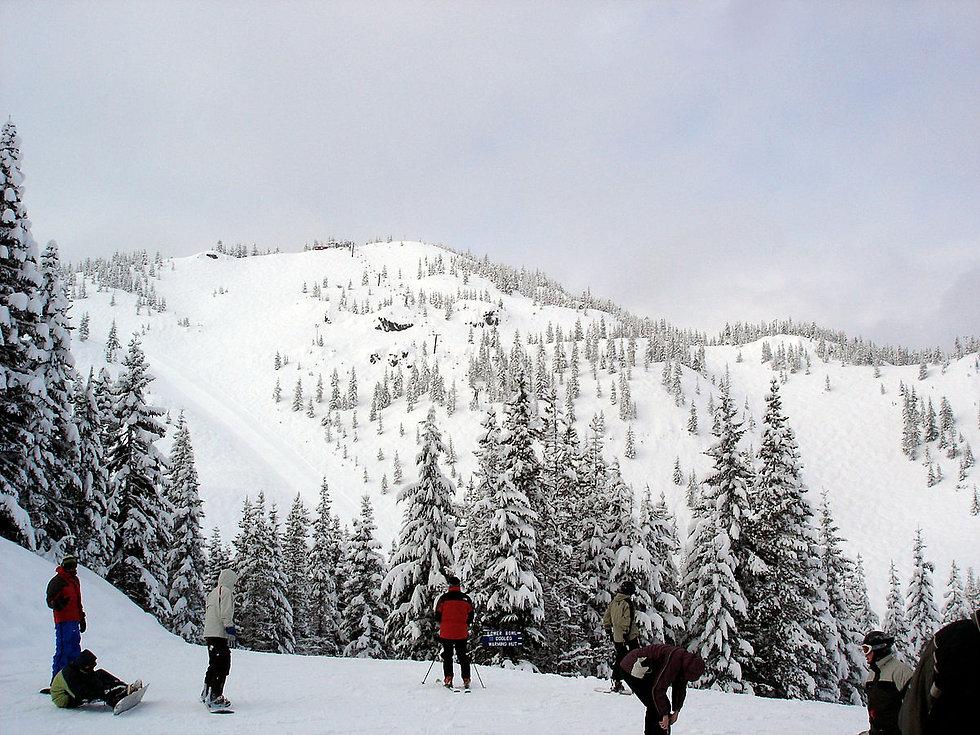 1200px-Skibowl_peak.jpg