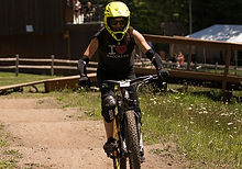 Skibowl_BLC-Woman_Pumptrack_CU-carousel-904x440_edited.jpg