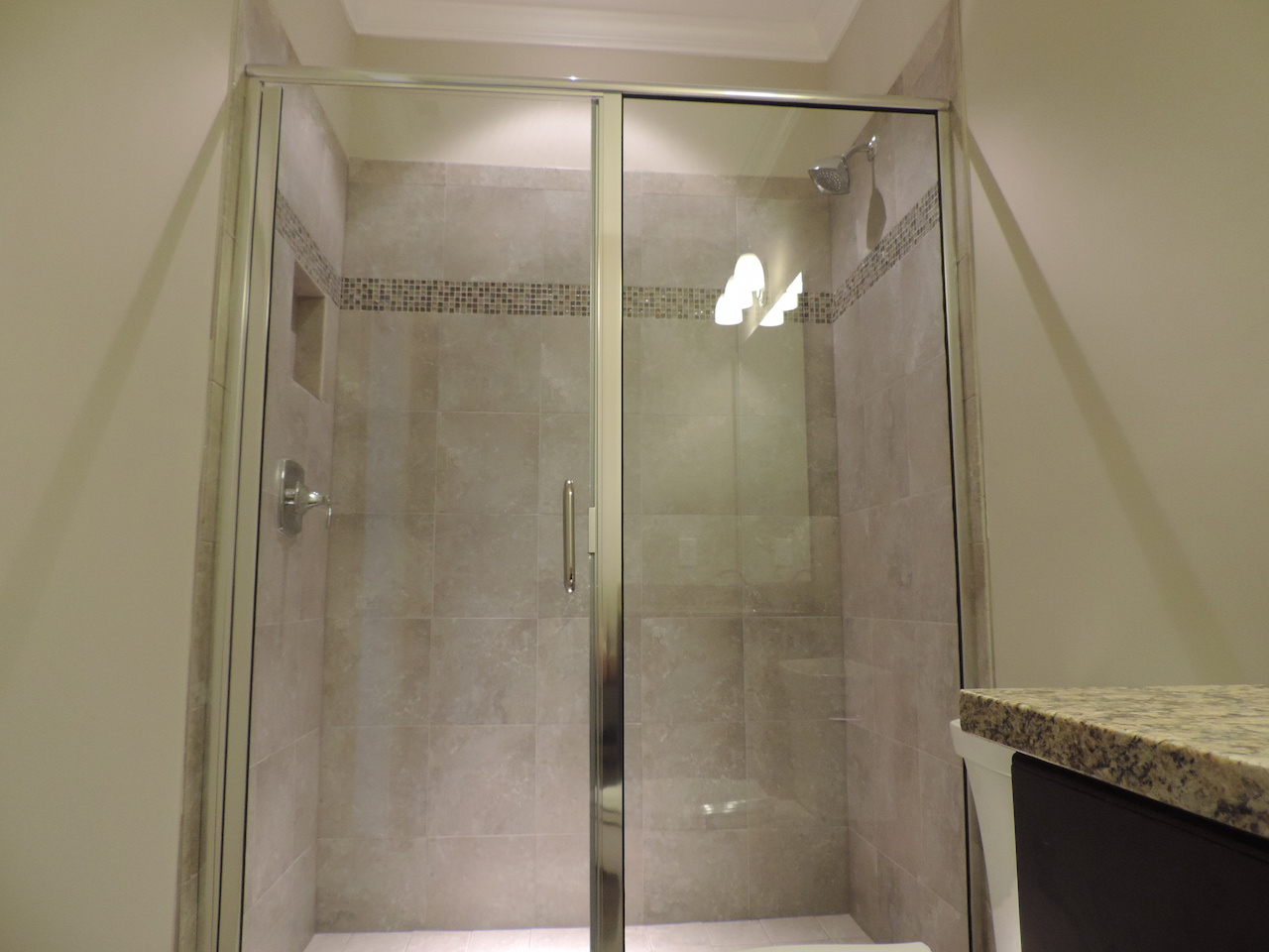 Semi-Frameless Shower Example46