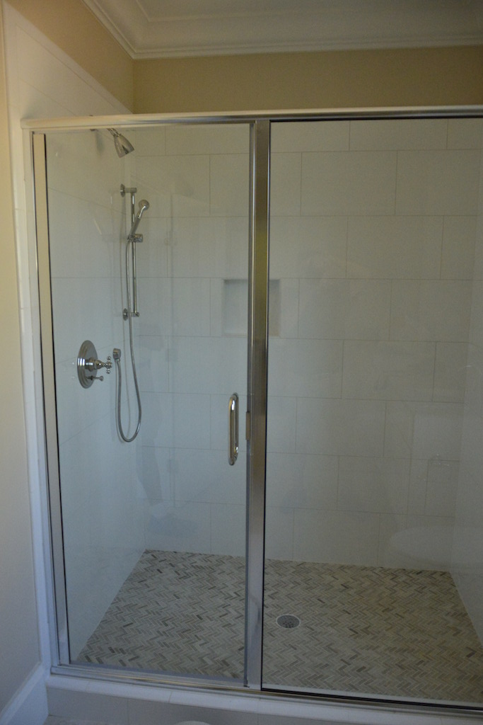 Semi-Frameless Shower Example21