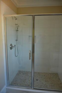 Semi-Frameless Shower Example21
