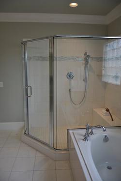 Semi-Frameless Shower Example31