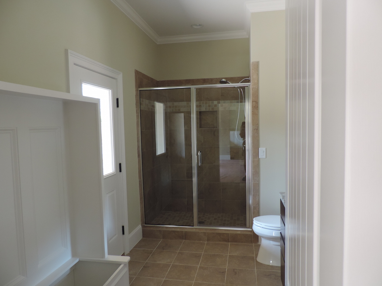 Semi-Frameless Shower Example47
