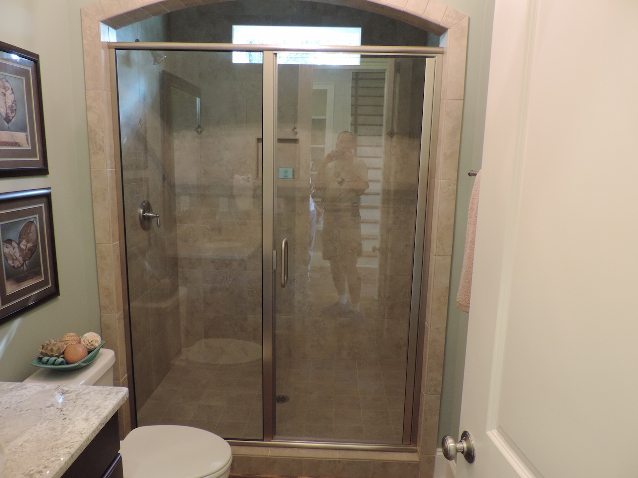 Semi-Frameless Shower Example59