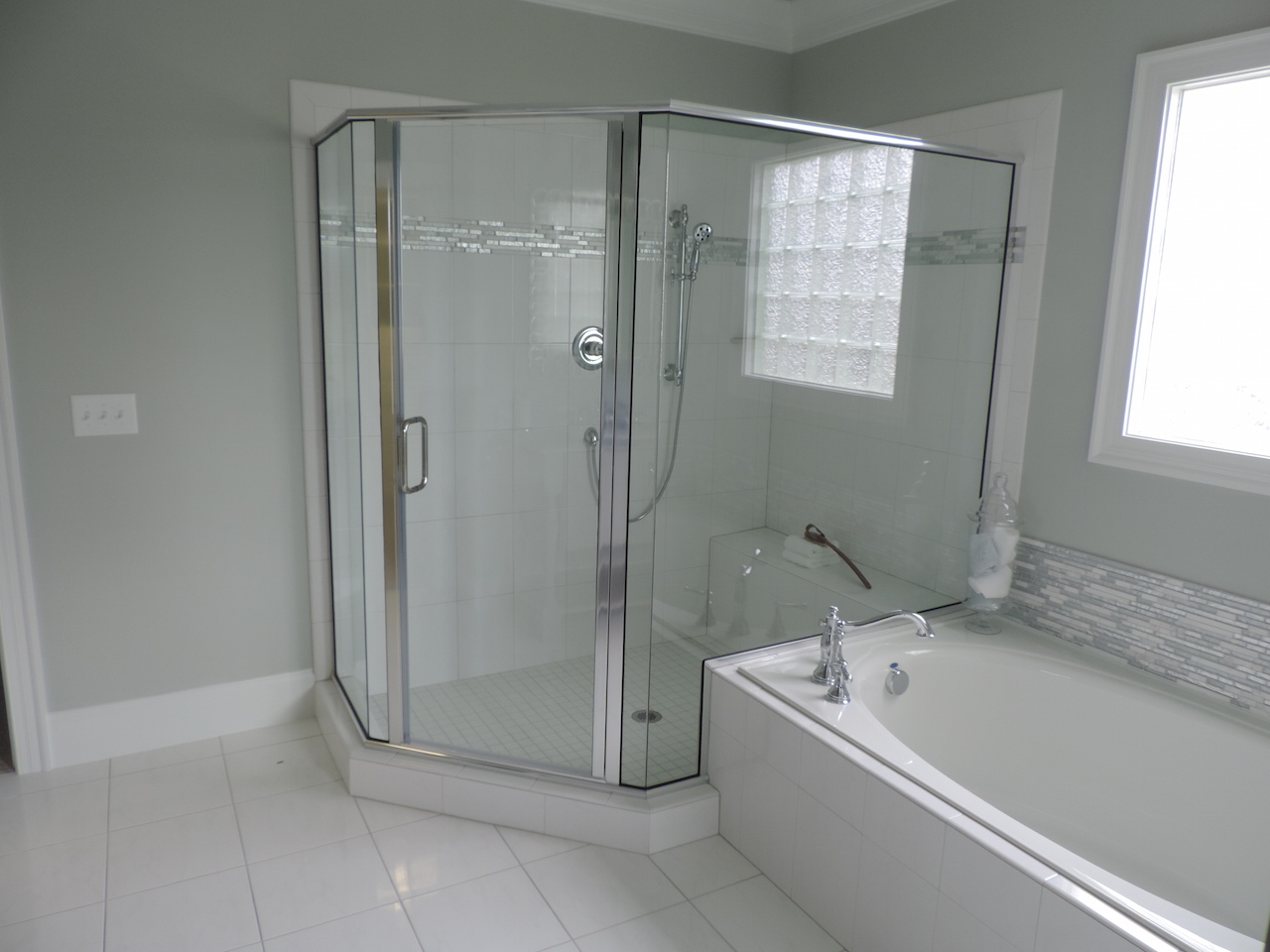 Semi-Frameless Shower Example52
