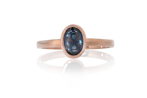 Blue Oval Solitare Sapphire Ring