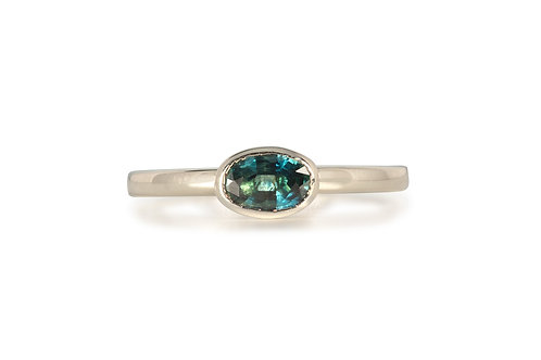 Teal Oval Solitare Sapphire Ring