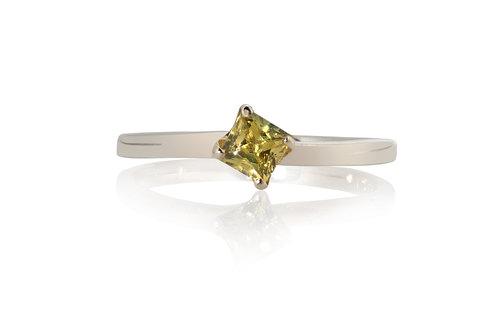 Yellow Princess Solitare Sapphire Ring