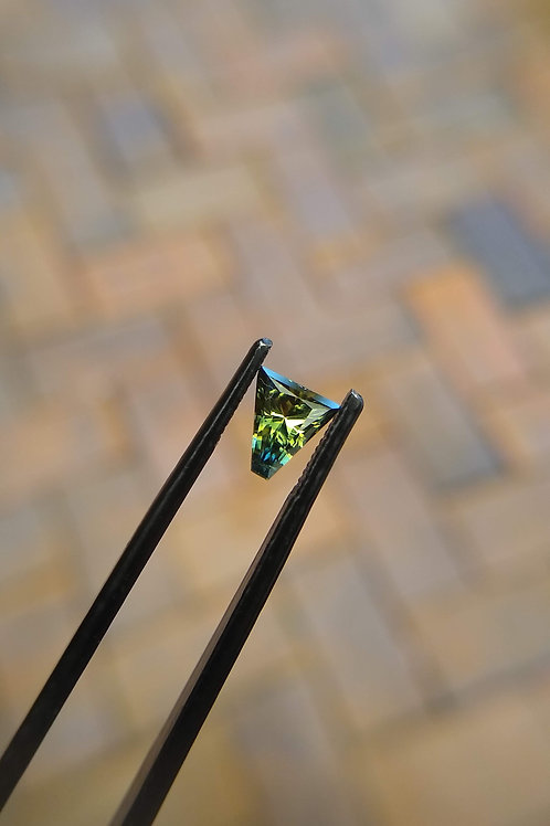 Green Yellow Freeform Sapphire