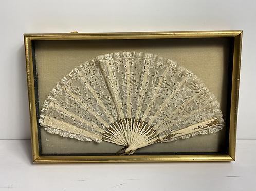 Lace fan 1 - cream background