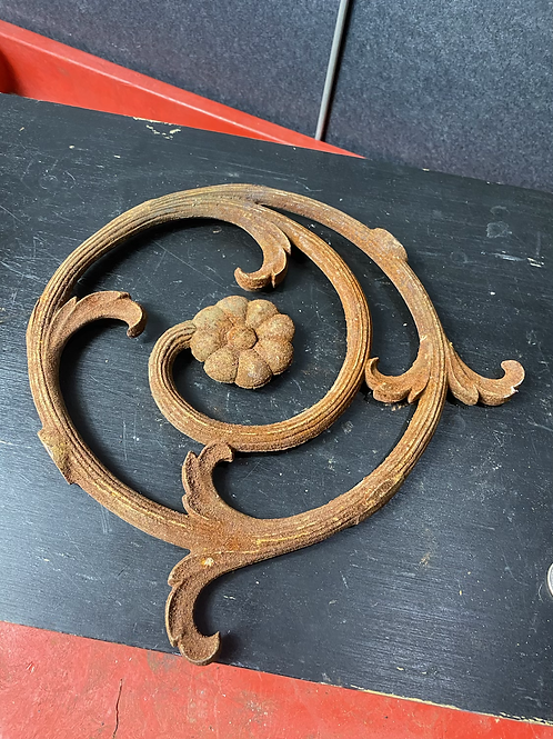 Rustic floral object 3