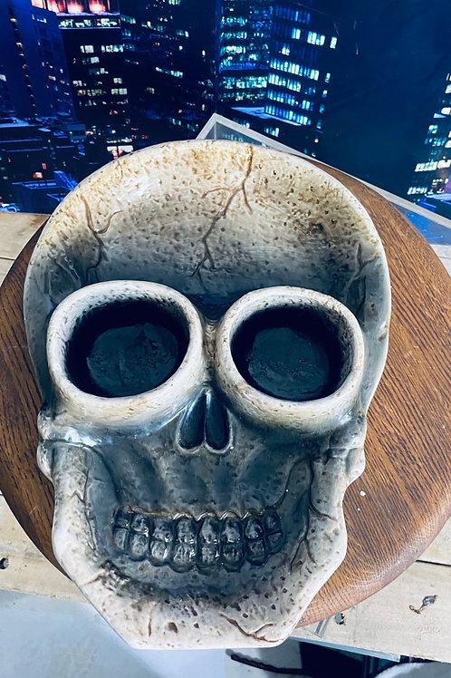 Skull serving