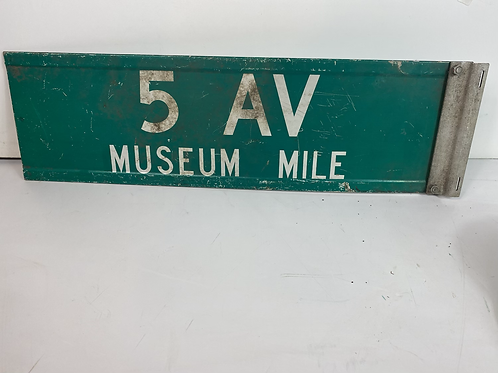 5 Ave Museum Mile Sign