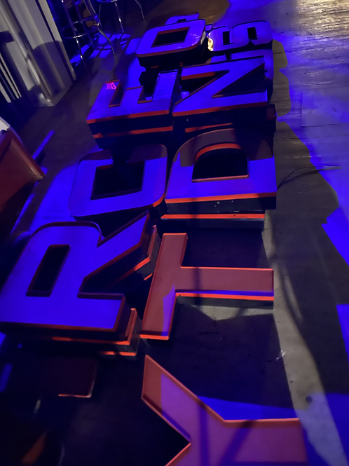 hydroponic garden letters (LED)