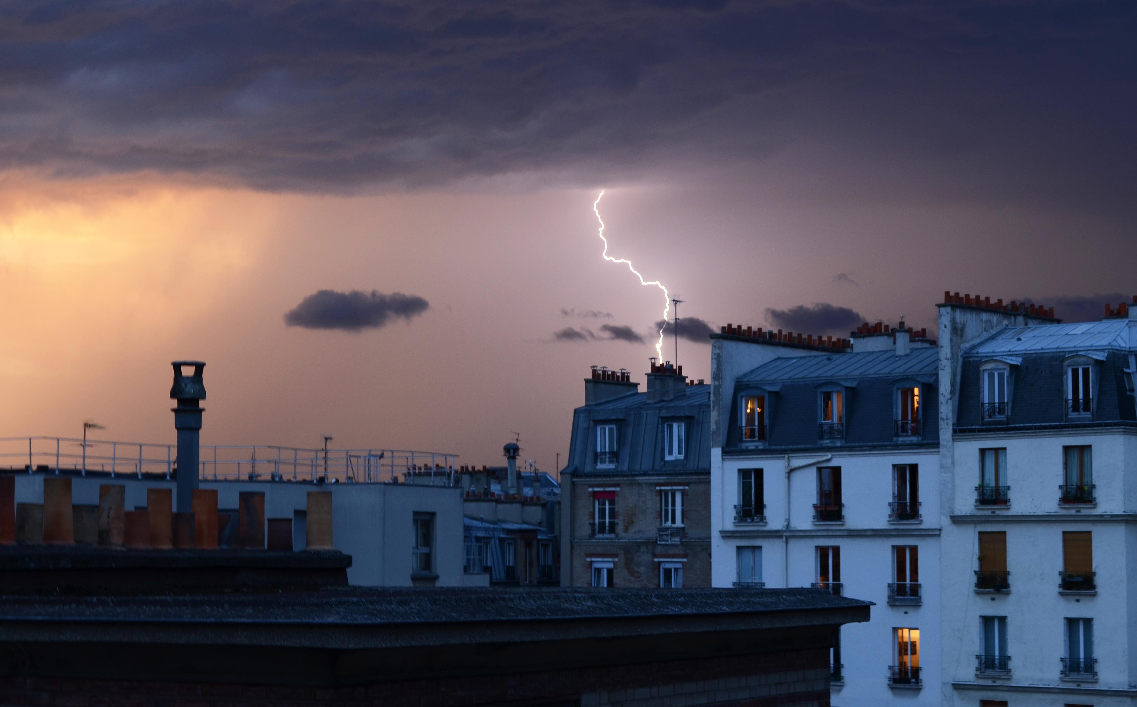 HOME PARIS