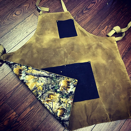 Rustic sand lined apron