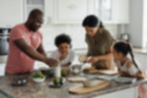 family-making-breakfast-in-the-kitchen-4
