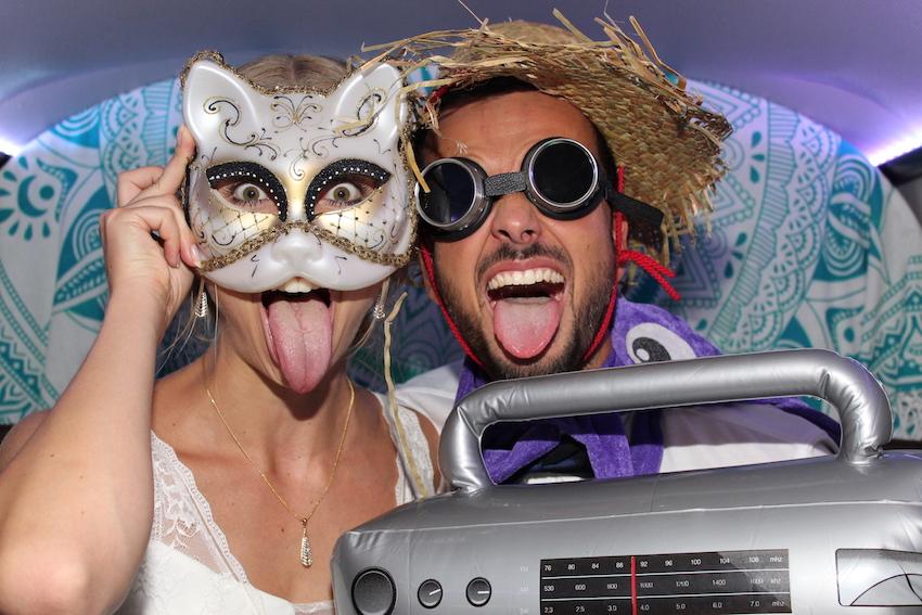 Brautpaar im Fotobus