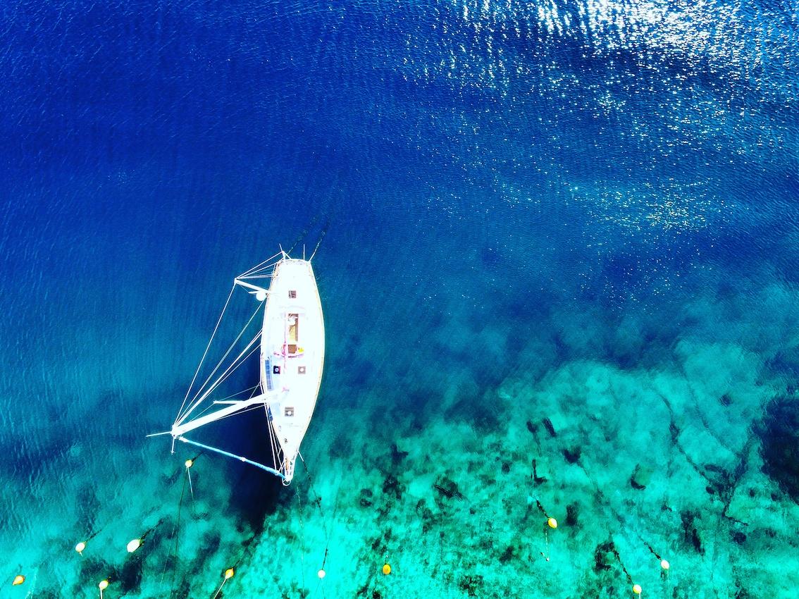 Drohnenfoto Boot Jadronovo, Kroatien