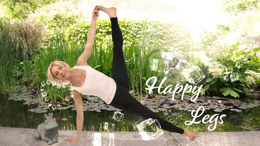 6 Tipps, cool und kräftigend. Yoga Moves und Care, damit die Sommerhitze nicht in den Beinen staut. Straffere Beine, weniger Cellulite.