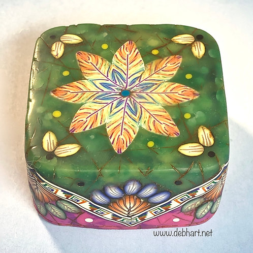 Square Jade/Purple Art Box