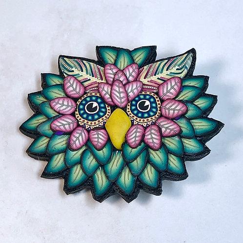 Owl Pin - green/pink