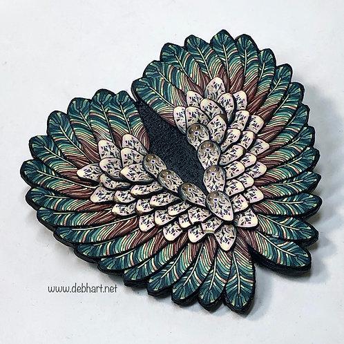 Angel Wing pin -green/tan