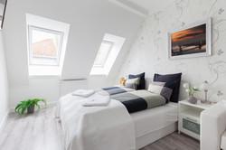 No5 bedroom (3)