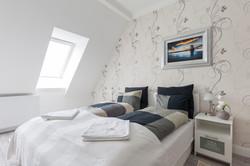 No1 bedroom (3)