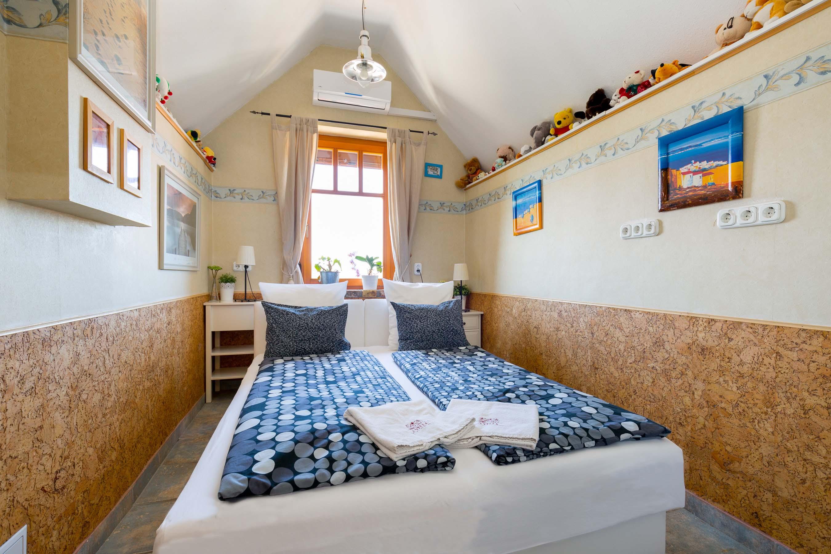 Room Bear