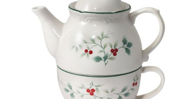 Pfaltzgraff® - Winterberry® Tea For One Christmas Teapot