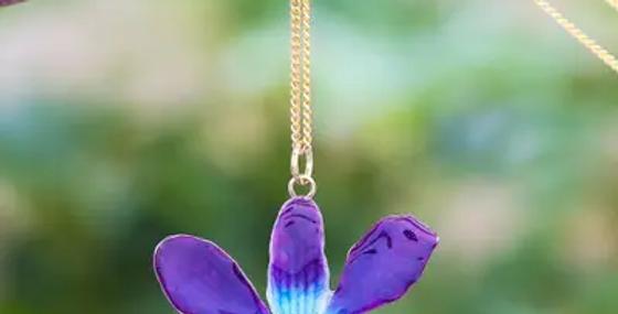 قلادة أوركيد طبيعية زرقاء أرجوانية