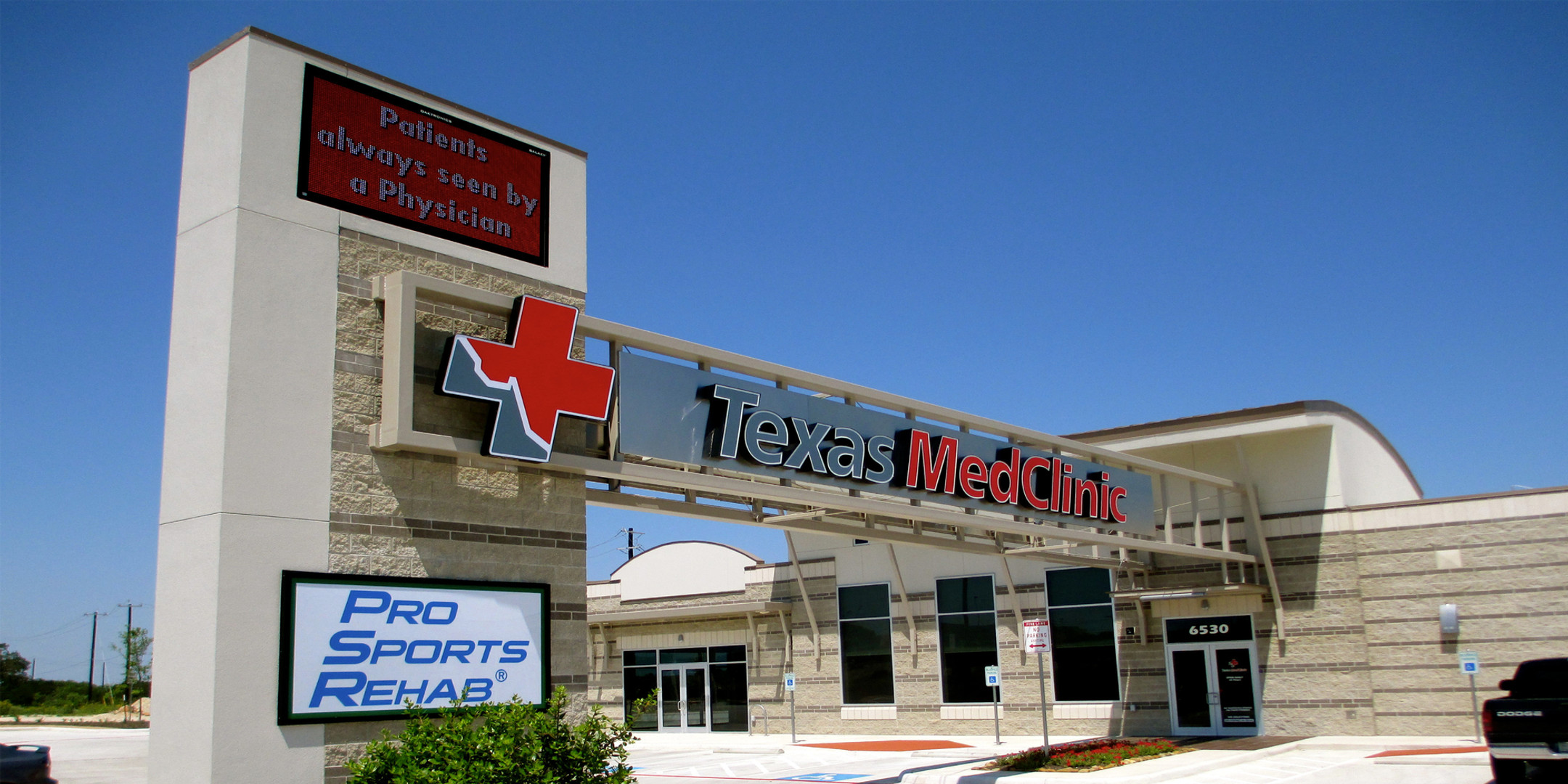 Texas MedClinic - 4800x2400_edited.jpg