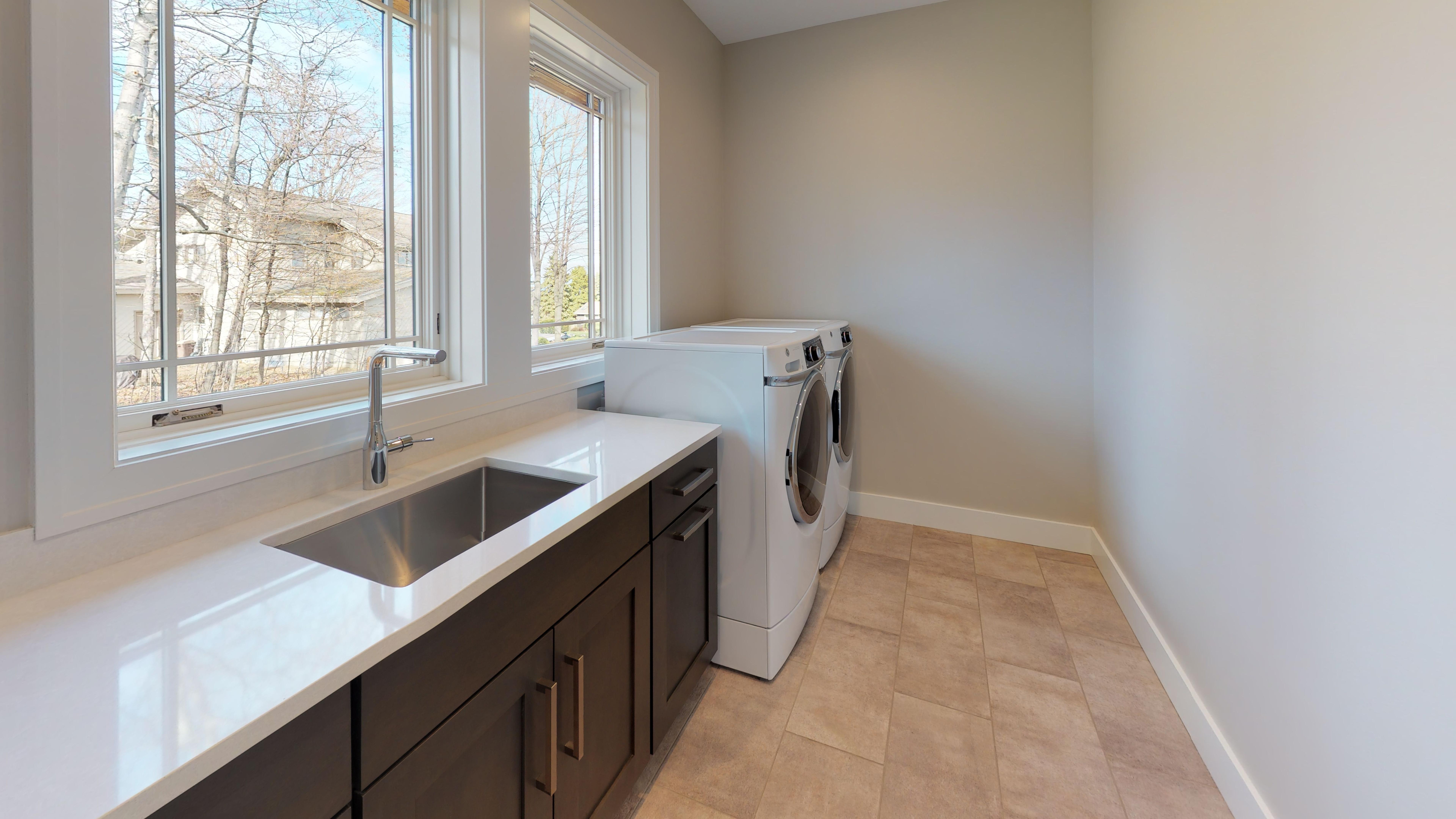 385-Chestnut-Ridge-Laundry.jpg