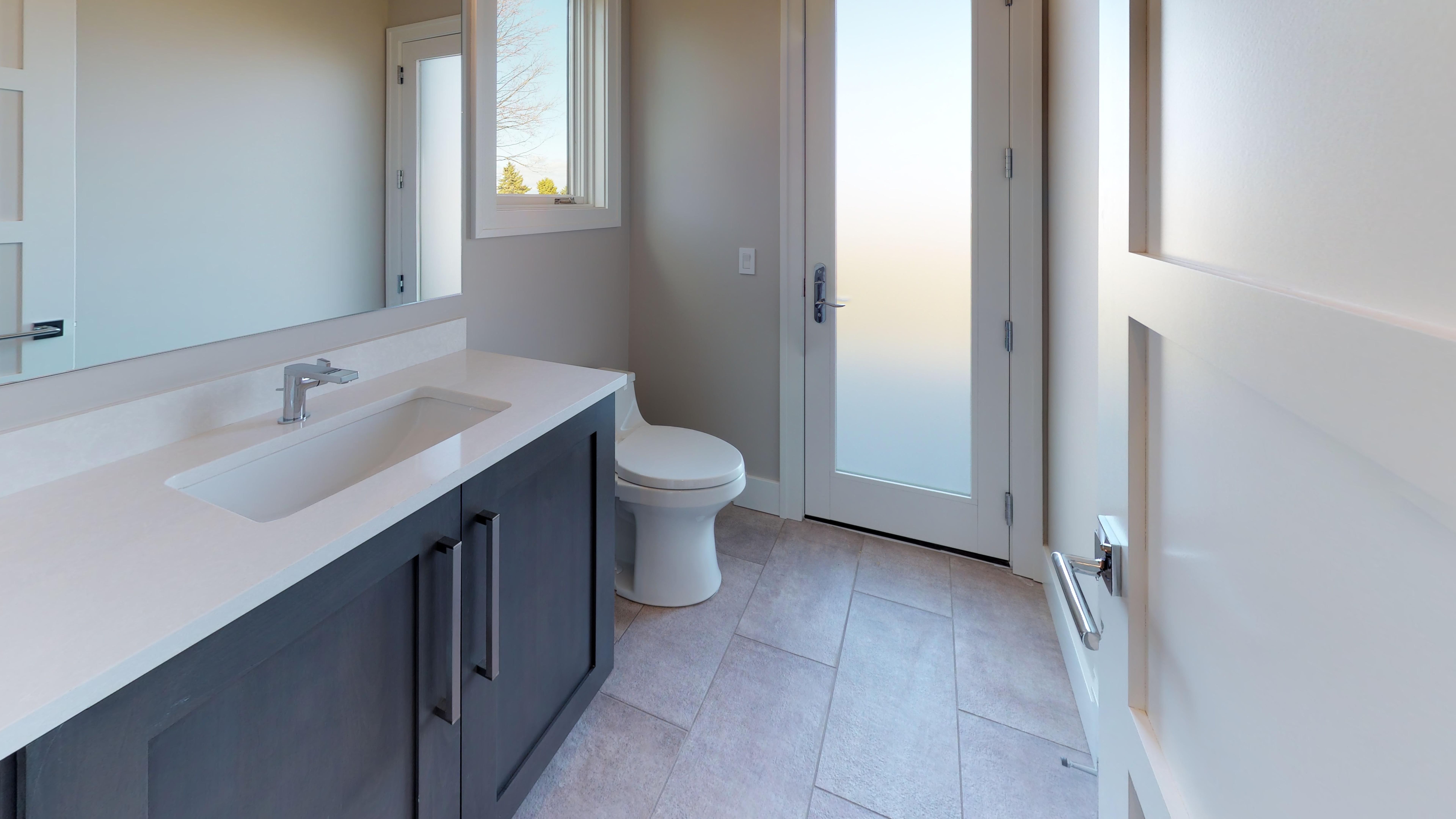 385-Chestnut-Ridge-Bathroom(5).jpg